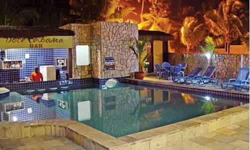 bar da piscina na pousada doce cabana