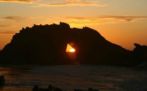 pedra furada por do sol
