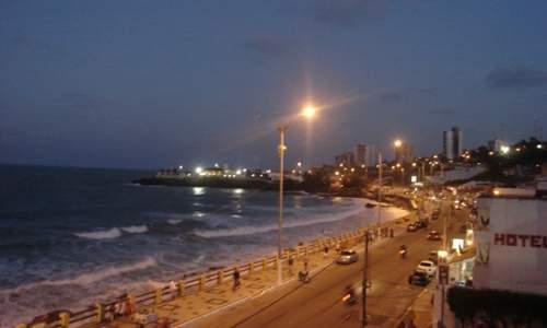 praia dos artista - noite