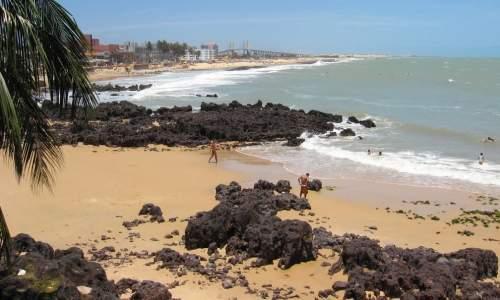praia dos artistas - pedras