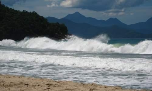Melhores Praias para Surfar no Brasil - PRAIA DO FÉLIX