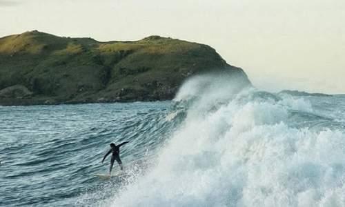 Melhores Praias para Surfar no Brasil  - Silveira (SC)