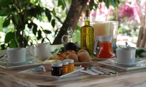 A romântica e charmosa Pousada Terra dos Goitis – Praia de Pipa (RN) - café da manhã