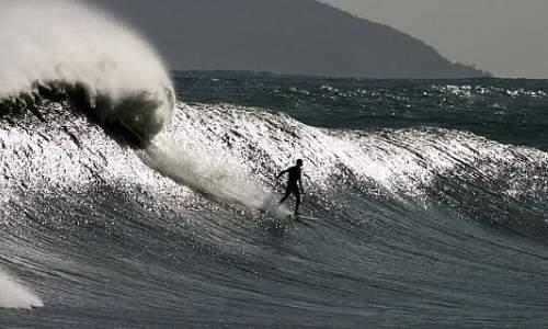 Melhores praias para surfar em São Paulo – Litoral Norte - praia camburi