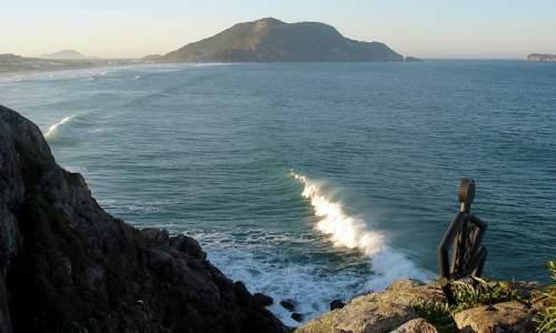 Melhores Praias para Surfar em Florianópolis (SC) - praia do santinho