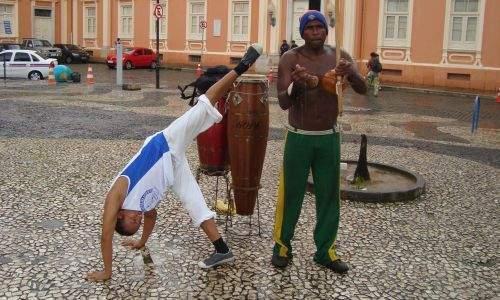 salvador bus - capoeira