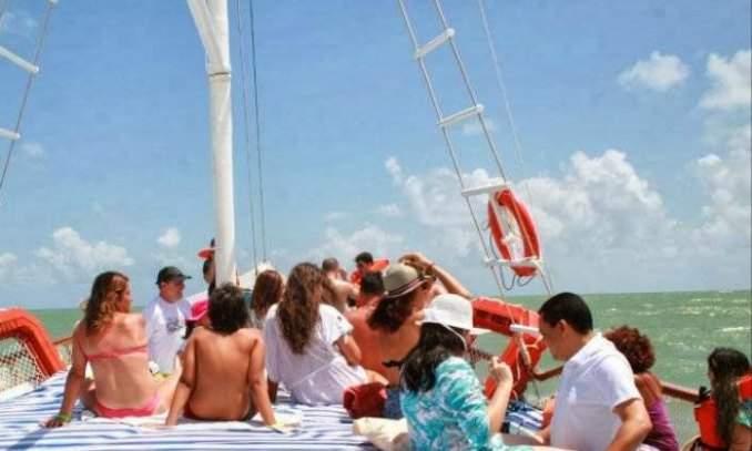 Passeio de Barco - Baia dos Golfinhos - Praia da Pipa 02